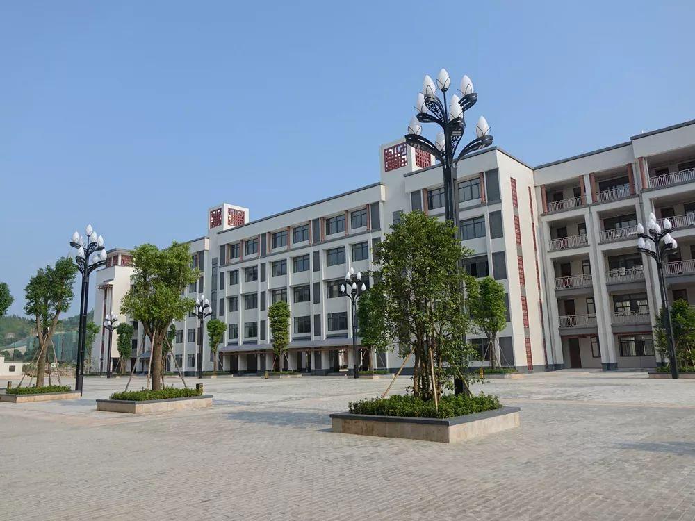 陆丰市龙山中学开始招收初中级学生 陆丰新闻 第6张
