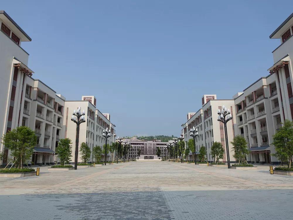 陆丰市龙山中学开始招收初中级学生 陆丰新闻 第5张
