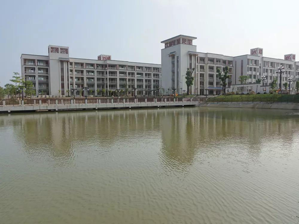 陆丰市龙山中学开始招收初中级学生 陆丰新闻 第7张