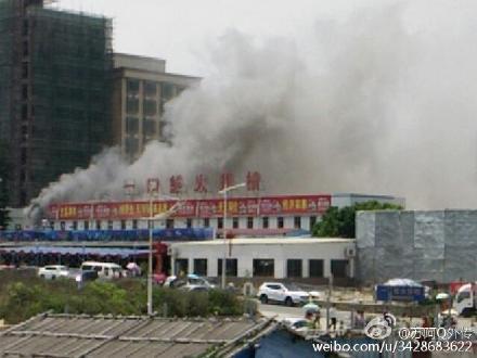 红海湾一口鲜大排档发生火灾 汕尾新闻