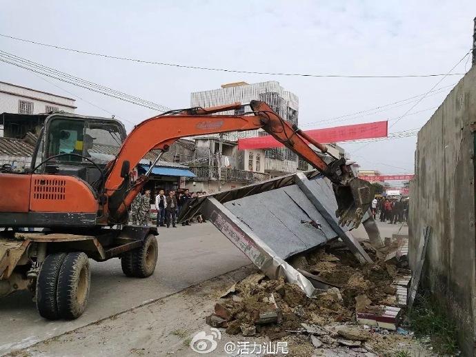 海丰县联安镇出动一百多人 开展违建违搭专项整治行动 海丰 第5张