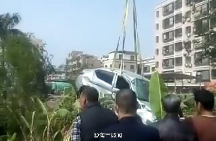 海丰324国道发生车祸致一伤 小轿车跌落沟边 海丰新闻 第3张