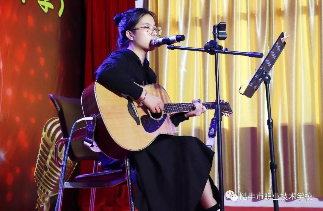 陆丰市职业技术学校(河图中学)举办校园歌手比赛 陆丰 第2张