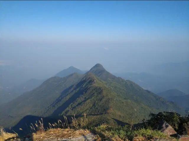 海丰莲花山飞瓦寺成新网红景点 登山顶可看云海 海丰新闻 第2张