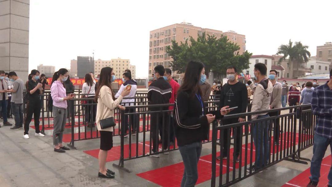 海丰实验中学举行疫情防控演练 为开学做准备 汕尾新闻 第1张
